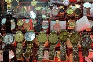 Ngăn chặn hành vi kinh doanh lượng lớn đồng hồ đeo tay có dấu hiệu giả mạo