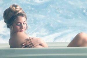 Tắm nước ấm giúp cải thiện giấc ngủ