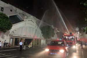 Diễn tập chữa cháy tại chợ Đồng Xuân