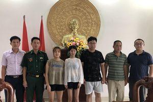 Bàn giao 2 công dân Trung Quốc xuất cảnh trái phép cho Lãnh sự quán Trung Quốc