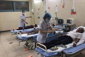 Nhiều người nhập viện cấp cứu sau ăn tiệc cưới ở Huế