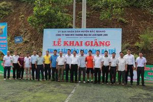 Trung tâm đào tạo bóng đá trẻ Nam Linh long trọng tổ chức lễ khai giảng khóa đầu tiên tại Hà Giang.