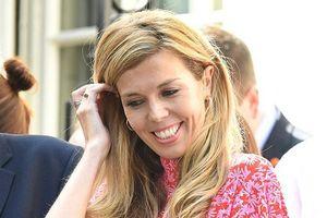Bất ngờ thân thế bạn gái tài sắc của tân Thủ tướng Anh