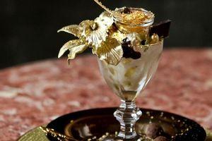 Kem dát vàng hơn 580 triệu và loạt món ăn giàu nứt vách chưa chắc đã ăn được