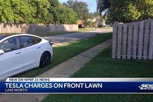 Chủ xe Tesla Model 3 thản nhiên 'câu điện' xạc ôtô