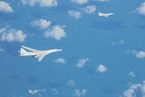 Nga khiến NATO sợ hãi với các máy bay ném bom Tu-160 trên vùng Biển Baltic