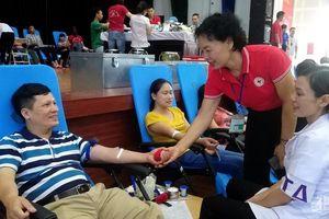 700 tình nguyện viên tham gia Ngày hội hiến máu tình nguyện ở Diễn Châu