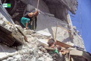 Bé gái 5 tuổi Syria thiệt mạng khi cố cứu em giữa tòa nhà bị tên lửa đánh sập