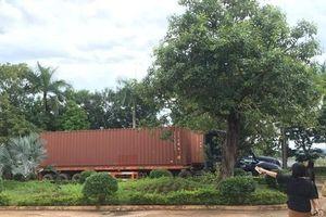 'Rút ruột' 2 container hàng điện tử quá cảnh, một doanh nghiệp bị khởi tố