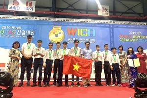 Cú đúp huy chương Vàng quốc tế và giải đặc biệt cho 2 phát minh sáng chế của học sinh Hà Nội
