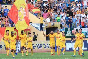 'Siêu phẩm' sút phạt của Sỹ Minh lọt Top bàn thắng đẹp nhất vòng 18 V-League