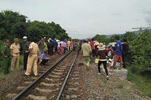 Tàu lửa tông xe khách, 3 người chết, 1 người bị thương