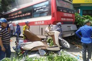 Khởi tố lái xe khách tông hàng loạt xe máy khiến 5 người thương vong ở Quảng Ninh