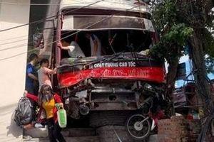 Khởi tố lái xe khách làm 5 người thương vong ở chân cầu Bãi Cháy