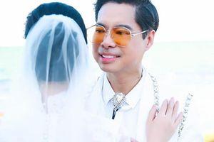 Danh ca Ngọc Sơn khoe ảnh cưới, sắp lấy vợ?
