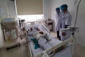 6 bệnh nhân ở Nghệ An bị sốc sau khi chạy thận, 2 người chuyển ra Hà Nội điều trị