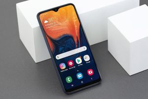 Điện thoại di động Samsung Galaxy A10, thiết kế ấn tượng với chip Exynos 7884