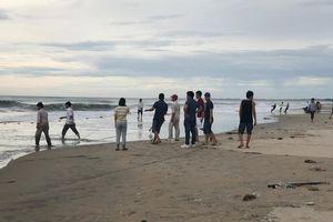Tìm thấy 1 thi thể học sinh bị sóng biển cuốn trôi ở Đà Nẵng