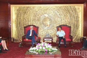 Phó Tổng cục trưởng Mai Xuân Thành tiếp xã giao Tùy viên Hải quan Hà Lan tại Singapore