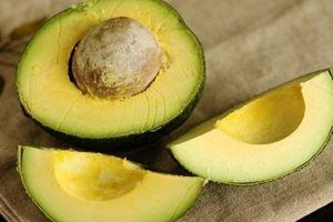 Mẹo hay giúp trái bơ chín nhanh, không bị đắng mà chẳng cần dùng hóa chất
