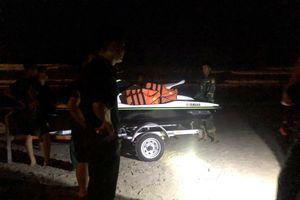 Hàng trăm người tìm 2 nam sinh ở Đà Nẵng mất tích khi tắm biển