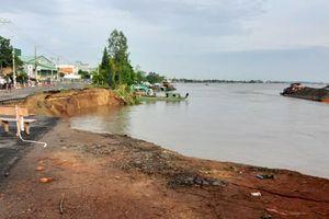 Quốc lộ 91 đoạn qua An Giang sạt lở, sụp xuống sông Hậu