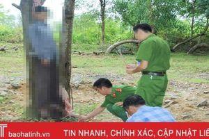 Phát hiện người đàn ông chết trong tư thế treo cổ ở thị trấn Xuân An