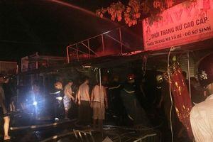 Cháy nhiều ki ốt bán hàng tại chợ Voi, Hà Tĩnh