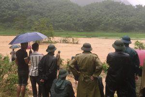 Thanh Hóa: Tập trung lực lượng cứu dân trong lũ quét