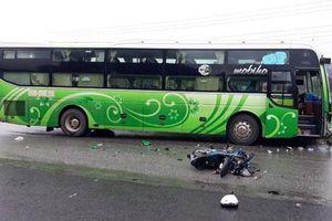 Kon Tum: Va chạm với ô tô khách, thanh niên tử vong tại chỗ