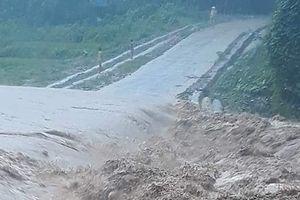 Lũ tàn phá huyện nghèo Mường Lát, 1 người mất tích