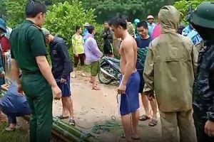 Thanh Hóa: Lũ cuốn trôi nhà, 13 người mất tích do mưa lũ