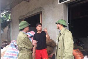 Thăm hỏi, tặng quà các hộ dân vùng 'rốn lũ' huyện Quan Sơn