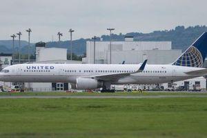 Máy bay chưa kịp cất cánh, 2 phi công bị bắt tại sân bay
