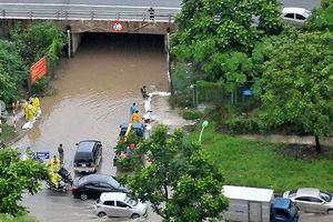 Nước sông Nhuệ dâng cao, phía Tây Hà Nội ngập úng nặng