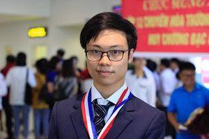 Điều đặc biệt từ chàng trai giành điểm tuyệt đối ở phần thì thực hành kỳ thi Olympic Hóa học năm 2019