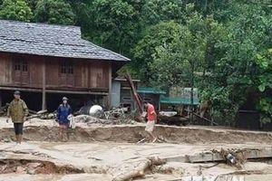 Hình ảnh nhiều bản làng ở Thanh Hóa bị cô lập hoàn toàn do mưa lũ