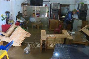 Nhiều hộ dân ở Sơn La bị ngập sâu trong nước lũ
