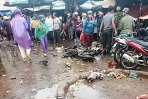 Nguyên nhân ban đầu vụ xe khách giường nằm lao vào chợ ven đường khiến 4 người tử vong