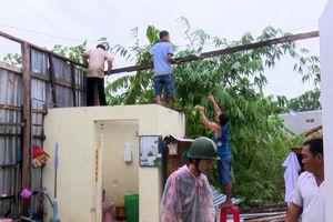 Lốc xoáy làm hư hại gần 300 căn nhà ở Hậu Giang, Tiền Giang và Cần Thơ