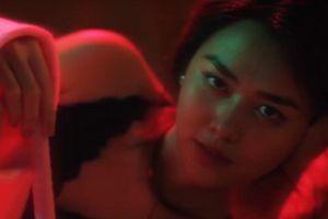 Á hậu Tường San diễn gợi cảm trong MV thời chưa đăng quang