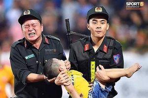 Chia sẻ của Đại úy CSCĐ để bé trai cắn tay ở Nam Định