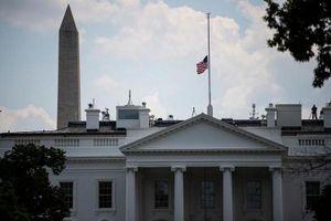 Tổng thống Trump ra lệnh treo cờ rủ trên toàn nước Mỹ sau hai vụ xả súng