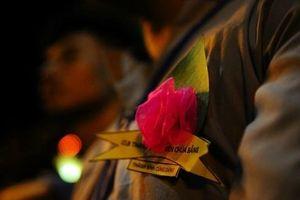 Ý nghĩa bông hồng cài áo mùa Vu Lan báo hiếu