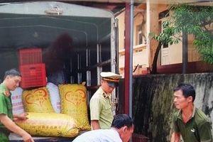 Lượng lớn quả trám trắng không rõ nguồn gốc 'tuồn' vào Việt Nam bị thu giữ