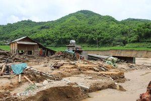 Mưa lũ khiến 5 người chết, 10 người mất tích tại Thanh Hóa