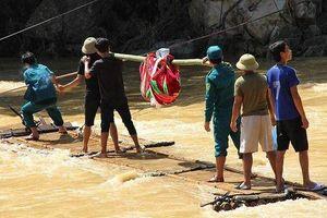 Tìm thấy thi thể bé trai 10 tuổi trong gia đình 6 người mất tích mất tích sau trận mưa lũ kinh hoàng ở Sa Ná - Thanh Hóa