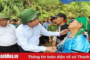 Bí thư Tỉnh ủy, Chủ tịch HĐND tỉnh Trịnh Văn Chiến thăm hỏi, chia buồn với gia đình Trưởng Công an xã Nhi Sơn