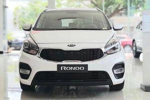 Kia Rondo bổ sung phiên bản MT, cạnh tranh phân khúc xe kinh doanh