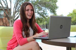 Những chiếc laptop lý tưởng dành cho tân sinh viên